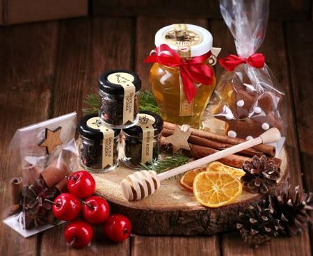 Zestaw prezentowy - Komplet z plastrem drewna miodem piernikami i cynamonem